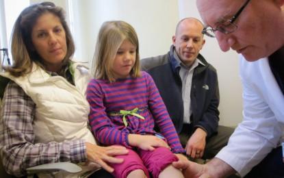 Come i genitori e internet hanno trasformato la cura del piede torto congenito.