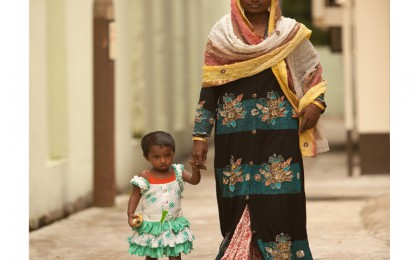 Mamma e figlia, nate con il piede torto in Bangladesh