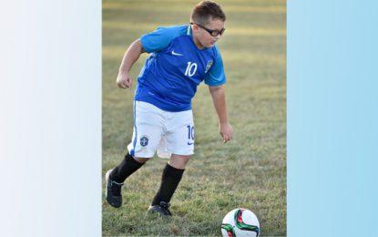 Nolan Bjerklie e il calcio: un bambino nato con il piede torto
