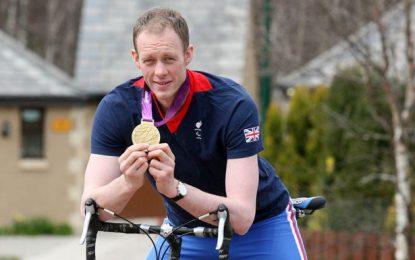 David Smith, atleta paralimpico nato con piede torto. La sua forza nello sport