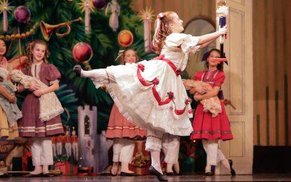 """Prima ballerina nello spettacolo """"Lo Schiaccianoci"""", Aubree è nata con il piede torto"""